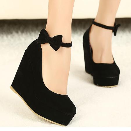 Fashion Round fechado Toe Super High Wedges Black Suede tornozelo Strap Pumps