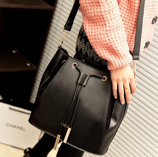 Women Vintage Zipper Black PU houlder Bag