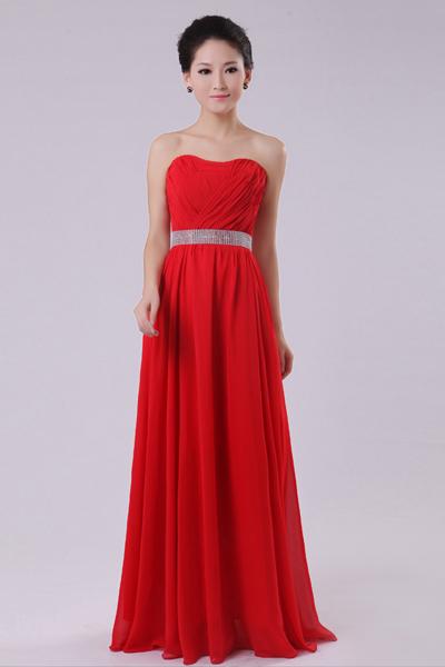 Платье из шифона без бретелек