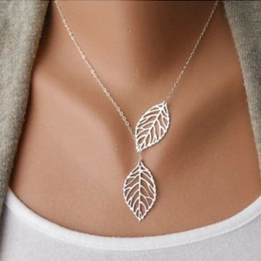 Cheap Fashion Hollow-out Leaves Shaped Silver Metal Necklace