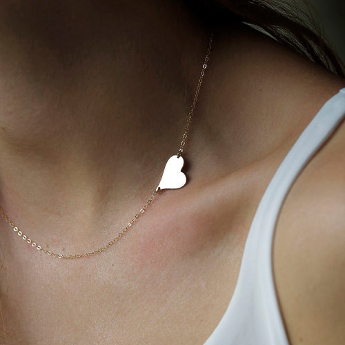 Cheap Fashion Heart Shaped Gold Metal Necklace