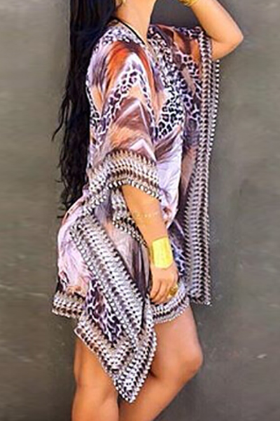 Cuello en V moda medias mangas impresas vestido asimétrico de gasa púrpura mini