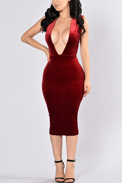 Sexy Deep V Neck Sleeveless Backless Red Velvet Sheath Knee Length Dress