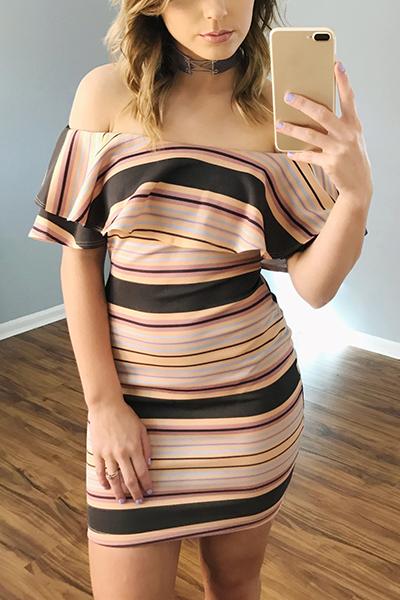 Stylish Dew Shoulder Short Sleeves Falbala Design Milk Fiber Sheath Knee Length Dress