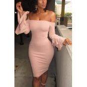 Maniche lunghe alla spalla elegante di rughe Falbala Design Vestito da ginocchio in fodero in poliestere rosa