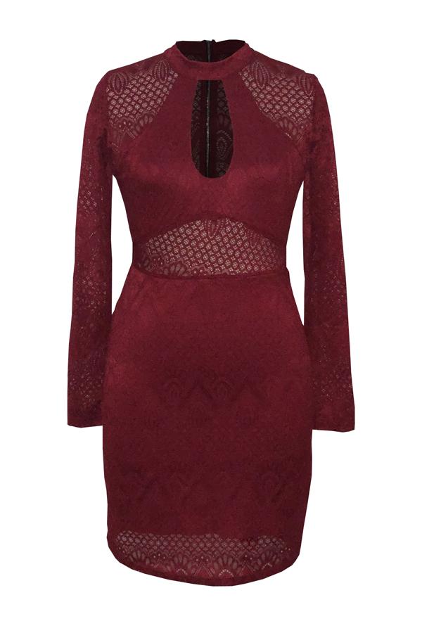Precioso Vestido Redondo De Encaje Rojo Y Transparente Con Cuello Redondo Y Escote Redondo
