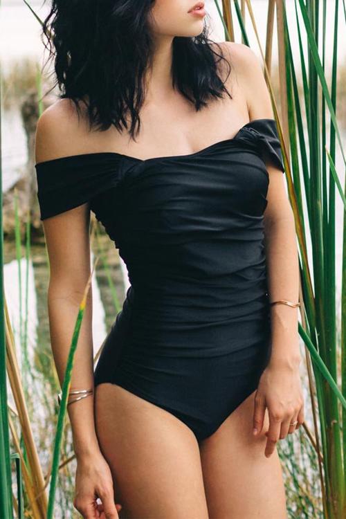 Costumi Da Bagno Interi Di Un Pezzo Sexy Del Bateau Del Collo Di Disegno Piegante Sexy Dello Spandex