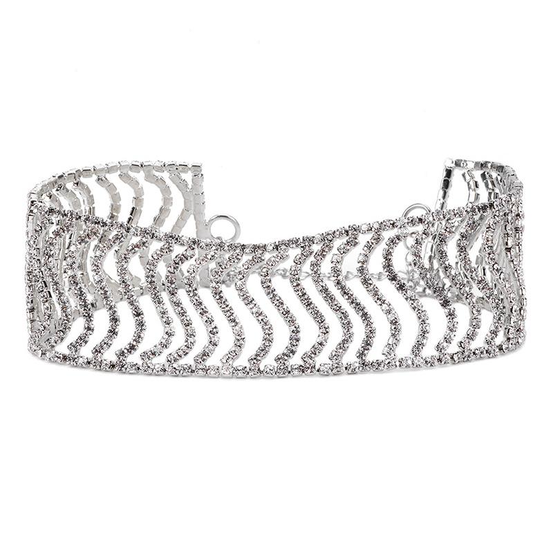 Collana In Metallo Argentato Decorativo Diamante Moda