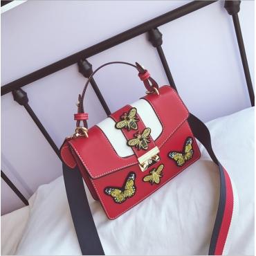 Reizender Chicschmetterling Dekorative Haspeldesign Rote PU-Clutches-Tasche