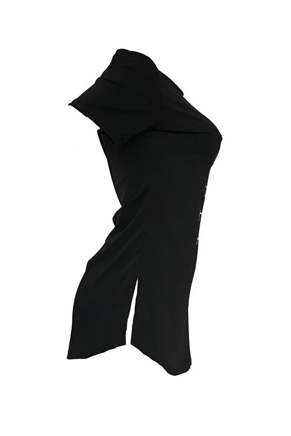 Lovely Trendy Round Neck Letter Printed Slit Hem Black Polyester T-shirt