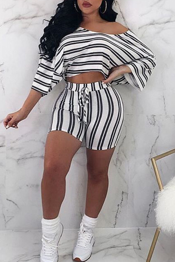 Lovely Casual Striped White Two-piece Shorts Set