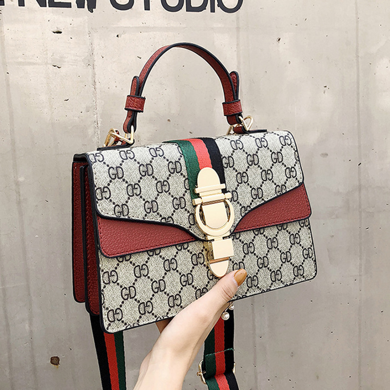 Lovely Euramerican Printed Red Patent Leather Messenger