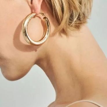 Lovely Euramerican  Circle Gold Metal Earring