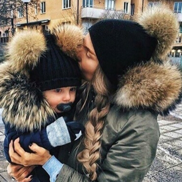 Lovely Euramerican Winter Black Sweater Hats