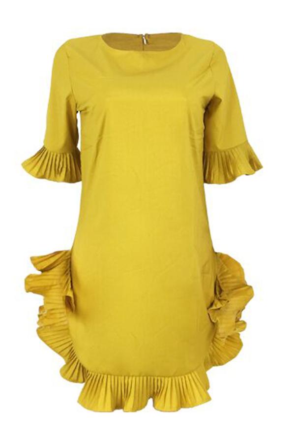 Mini Vestido Encantador Con Volantes Y Diseño De Mezcla De Color Amarillo.