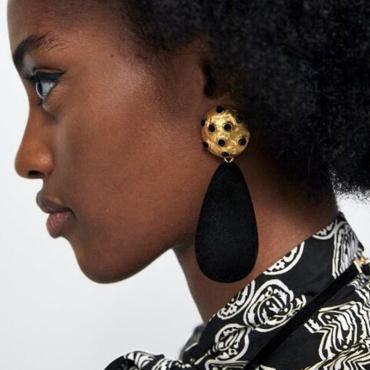 Lovely Fashion Black Earring