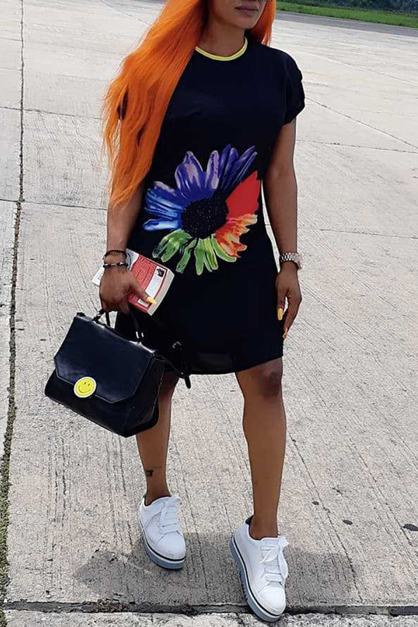 Lovely Casual O Neck Printed Black Mini Dress
