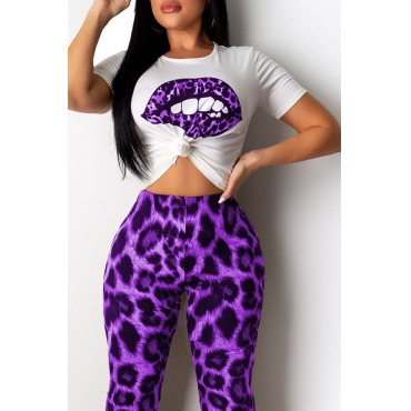Lovely Casual Lip Printed Purple T-shirt