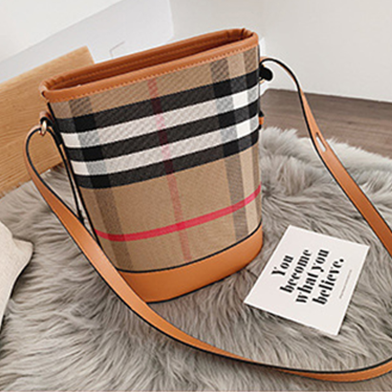 Lovely Chic Printed Khaki Messenger Bag