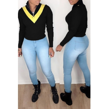 Lovely Work Color-lump Black Sweater