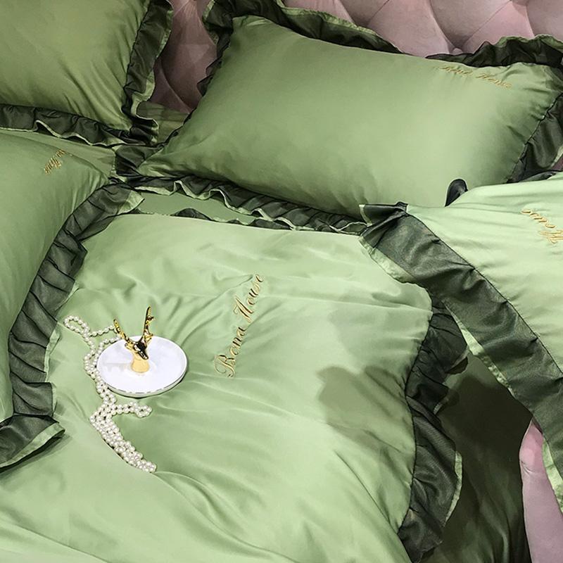Lovely Leisure Flounce Design Green Bedding Set
