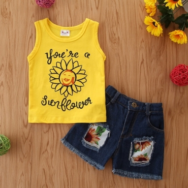 lovely Casual Letter Print Yellow Girl Two-piece Shorts Set