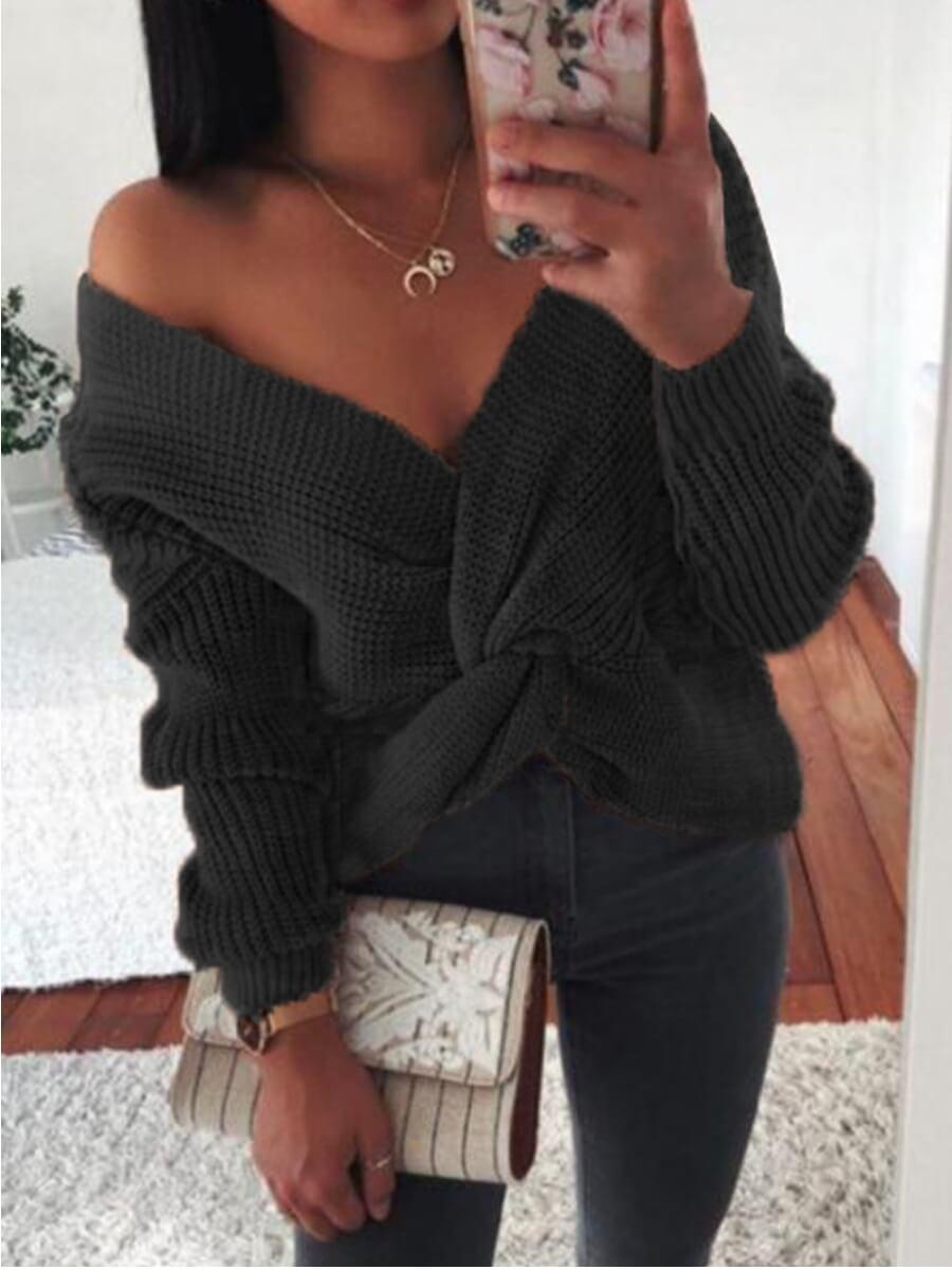 Lovely Street Knot Design Black Sweater