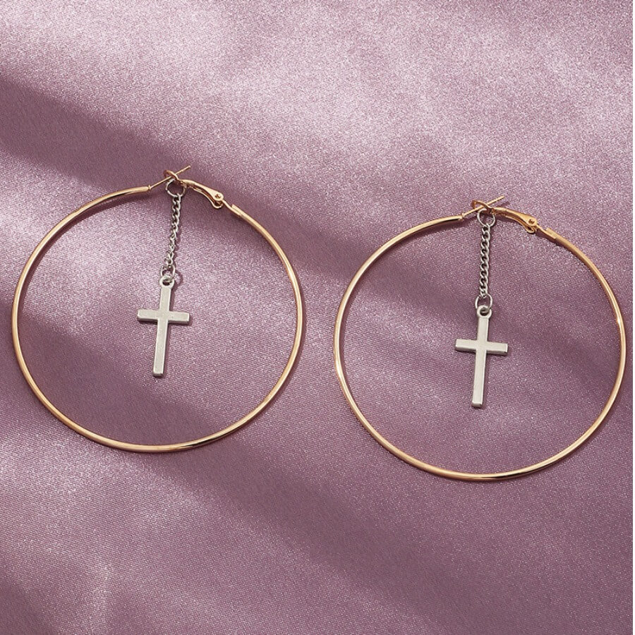 Lovely Stylish Hollow-out Gold Earring