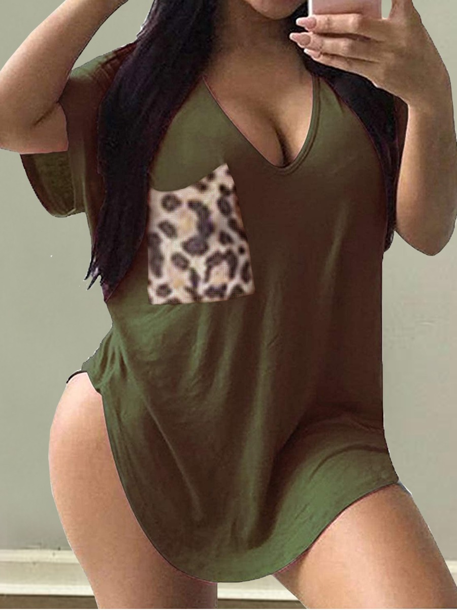 Lovelywholesale coupon: Lovely Plus Size Street V Neck Leopard Print Green T-shirt