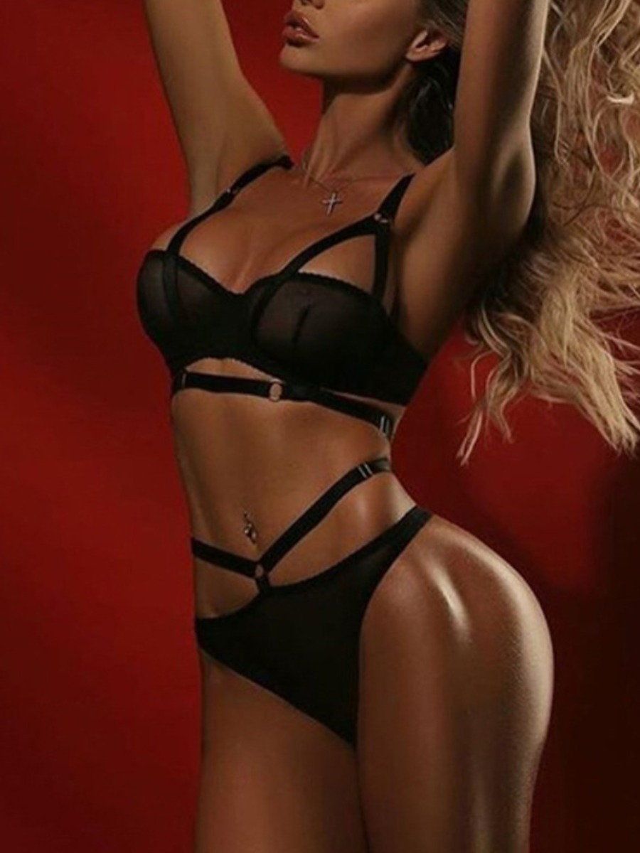 LW SXY Hollow-out Metal Ring Decoration Bra Set