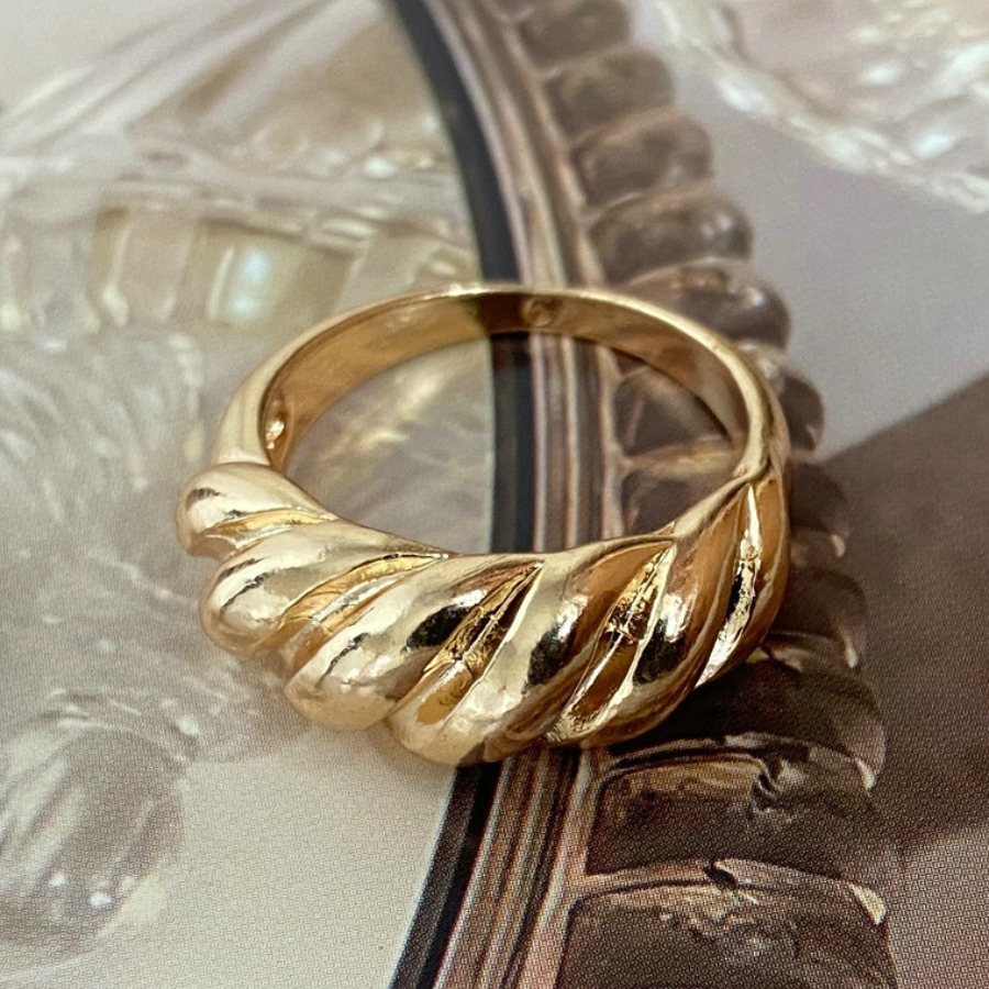 LW Plating Twist Ring