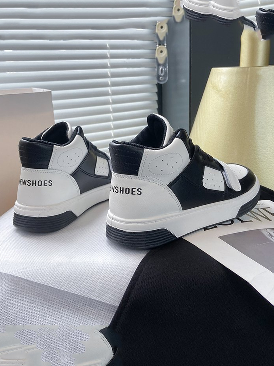 LW Letter Print Patchwork Sneakers